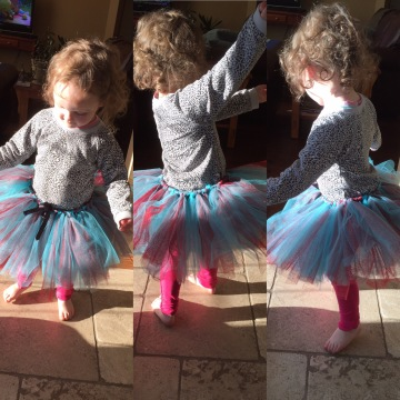DIY Toddler Blue & Red Tulle Tutu